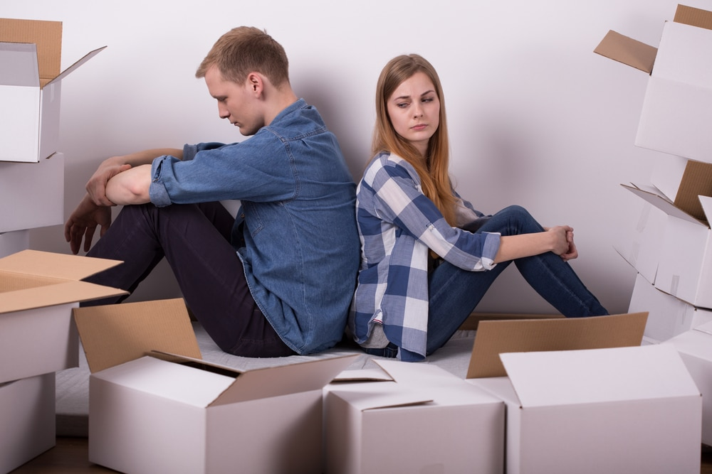 Stay or Go: When Is the Right Time to Move Out in a Divorce?